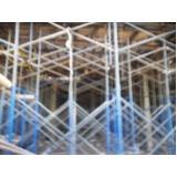 escoramento metálico para construção